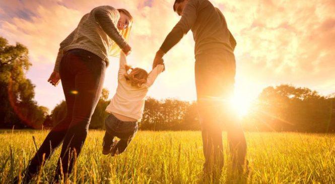 Rahasia Hidup Bahagia Menurut Riset Kebahagiaan