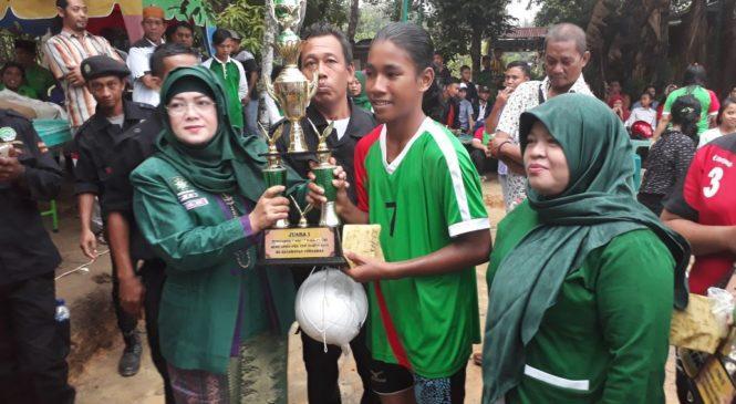 Ketua Perempuan DPW PKB Sumut Tutup Volly Ball PKB CUP di Labusel