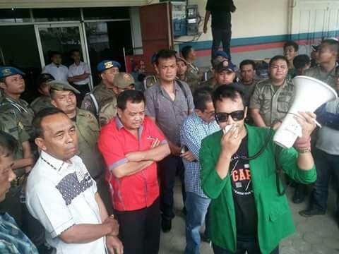 Demo Kantor DPRD Labusel, Pemuda Lakukan Sejumlah Tuntutan