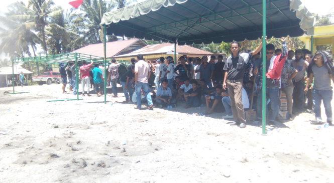 Dirikan Tenda, Massa Janji Akan Bertahan Jika Tuntutan Tidak Dipenuhi PT Tapian Nadenggan