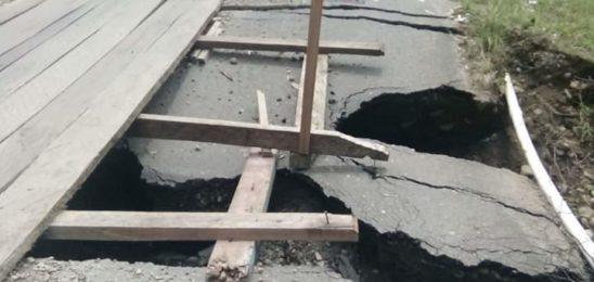 PUPR Pasbar Diduga Tutup Mata, Jalan Yaptip Menuju KDI Terancam Putus