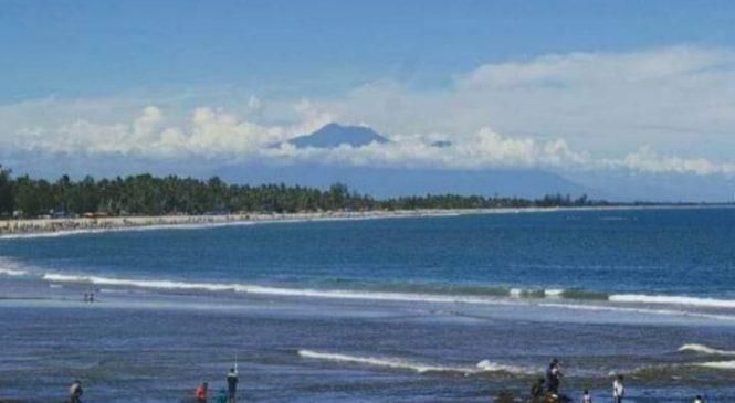 Ternyata Ini Keindahan Pantai Sikabau