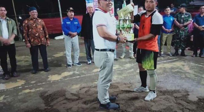 Bupati Pasbar H. Yulianto Saksikan Final Voly Ball Ikates Cup I, Ini Juaranya