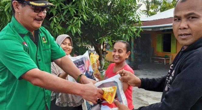 Rasa Kepedulian, Anggota Fraksi PPP DPRD Sumbar H. Daswippetra Bagikan Beras Ke Masyarakat
