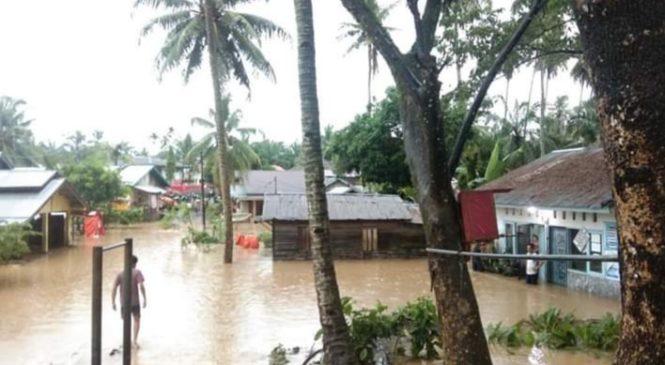 Ditengah Covid-19, Banjir Hantam Puluhan Rumah Di Ujung Gading