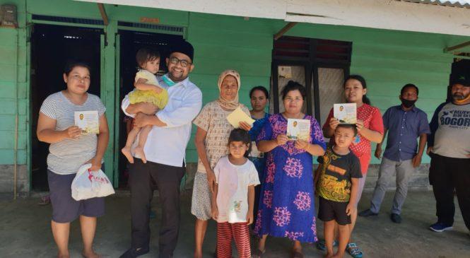 Pengusaha Muda Sumbar Asal Pasbar H. Erick Hariyona, Bagikan Sembako Dengan Cara door to door